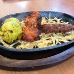ネウバ インド レストランバー - 料理写真:Cセットのあつあつプレート