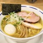 手打式超多加水麺 ののくら - ■中華そば 煮玉子入り(塩) 850円