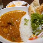 新宿中村屋インドカリーの店 - ランチ野菜カリー
