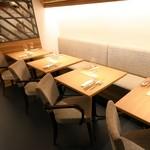 シェフズテーブル リセノワール - ランチタイムはゆったりと落ち着くお席で、気分も晴れやかに!