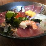 83056809 - 海鮮丼