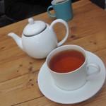 Cafe VG - ホットコーヒーと紅茶