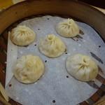 龍袍湯包 - 料理写真:プレーン(100元)