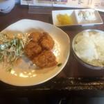 Sanukiteiseimenjo - 唐揚げ定食。