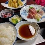 魚料理 ホノルル食堂 - お刺身定食+天ぷら単品