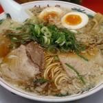 ラーメン魁力屋 - 料理写真:【特製醤油 味玉ラーメン(並)】¥750(税抜)