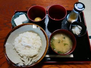 くま CAFE - 「卵かけご飯」