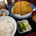 魚料理 ホノルル食堂 - アジフライ定食