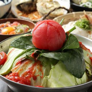 名物鍋『爆裂トマト鍋』もつ、牡蠣、お肉からお選び頂けます!