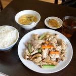 83069097 - 今週のランチB 鶏肉の黒胡椒炒め 780円