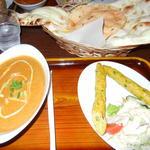 インド料理&バーMilan - チキンカレー ナン シシカバブ