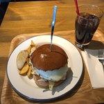 ハンバーガー生活のすすめ - エッグバーガー 1,510円 ランチセット ポテトフライ+コカコーラ