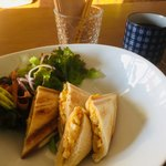 カフェ ファイミール - コーヒー&ホットサンドのモーニング500円