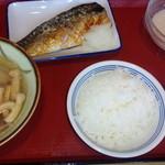 富山上袋食堂 - 塩さば焼き・切干大根・山芋とろろ・豚汁