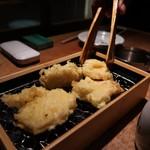 天ぷらスタンド KITSUNE - 名物とり天640円