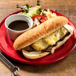 スープに浸して食べる、新感覚サンドイッチ