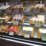 ほわいとファーム - 「レストラン ほわいとファーム」のケーキ達。