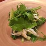 うめもと - 春野菜、白魚、鳥貝、ホタテのサラダ