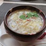 83081642 - 海老と玉子と帆立貝柱入りコーンスープ