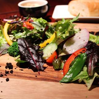 当店イチオシ☆新鮮有機野菜の『ガーデンプレート』