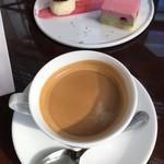 サロン・ド・テ・ロンド - セットのコーヒー