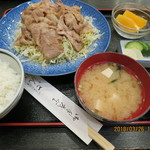 とんぼ - 料理写真:生姜焼き定食(全景)