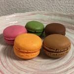 83092124 - マカロンアソート(抹茶 + ショコラ + キャラメルサレ + オランジュ + フランボワーズ)