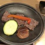 銀波 - 群馬県産上州牛リブロース肉の陶板焼き 焼き上がり