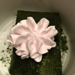 銀波 - デザートの抹茶蕨餅苺ホイップ