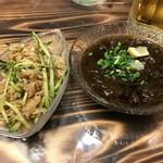 カフェテードゥン しだめー館 - 料理写真:もずく酢&ミミガー