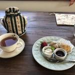 83096643 - 紅茶と