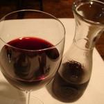 トックブランシュ - ハウスワインの赤をデキャンタで
