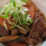 隼 - 砂肝と野菜の煮込み ズームアップ