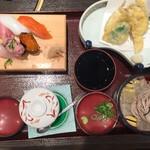 ふぁみり庵はいから亭 - 寿司セット¥1,180だったかな。