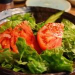 豊中牧場 - 韓国サラダ。3人前くらいの大きさです。美味しいタレが下に溜まっているので食べる前によ〜く混ぜて下さい。