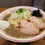 83105989 - 濃厚煮干そば(790円)