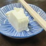 よしみ - つきだし、おぼろ豆腐