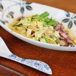 原宿はしづめ - ホタルイカと春野菜のクリーム和え柚子麺