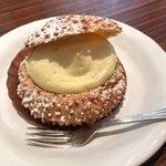 メゾンカイザーカフェ - シュークリーム