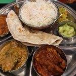 インド食堂 チャラカラ - カレープレート(3種盛り)