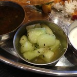 インド食堂 チャラカラ - キウイだと思ったら メロンでした(*ˊᵕˋ*)