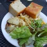 ミュゼリバーサイド レストラン&バーベキュー - 前菜とパン
