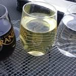ミュゼリバーサイド レストラン&バーベキュー - ワインとデトックスウオーター
