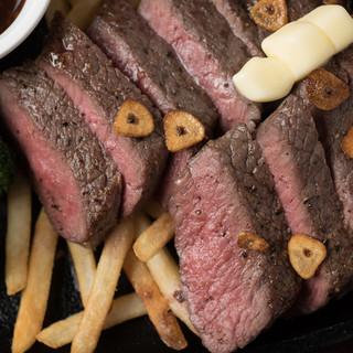 ≪肉がうまい!≫自家製アメリカンフードはボリューム満点♪