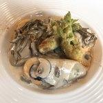 サドヤレストラン レアル・ドール - 牡蠣のポシェとエビのムース ヴィン・ブランソース
