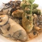 サドヤレストラン レアル・ドール - 牡蠣のポシェとエビのムース ヴィン・ブランソース アップ
