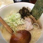 百歩ラーメン - 百歩ラーメンwithネギ&高菜