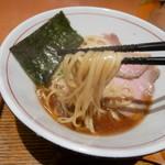 83134394 - 魚介醤油 麺リフト