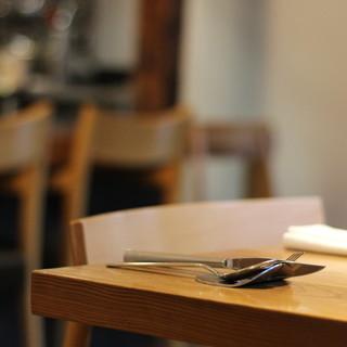 心安らぐ心地の良い時間を…。大人が寛ぐフレンチレストラン。