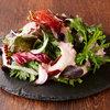タコと春菊のサラダ